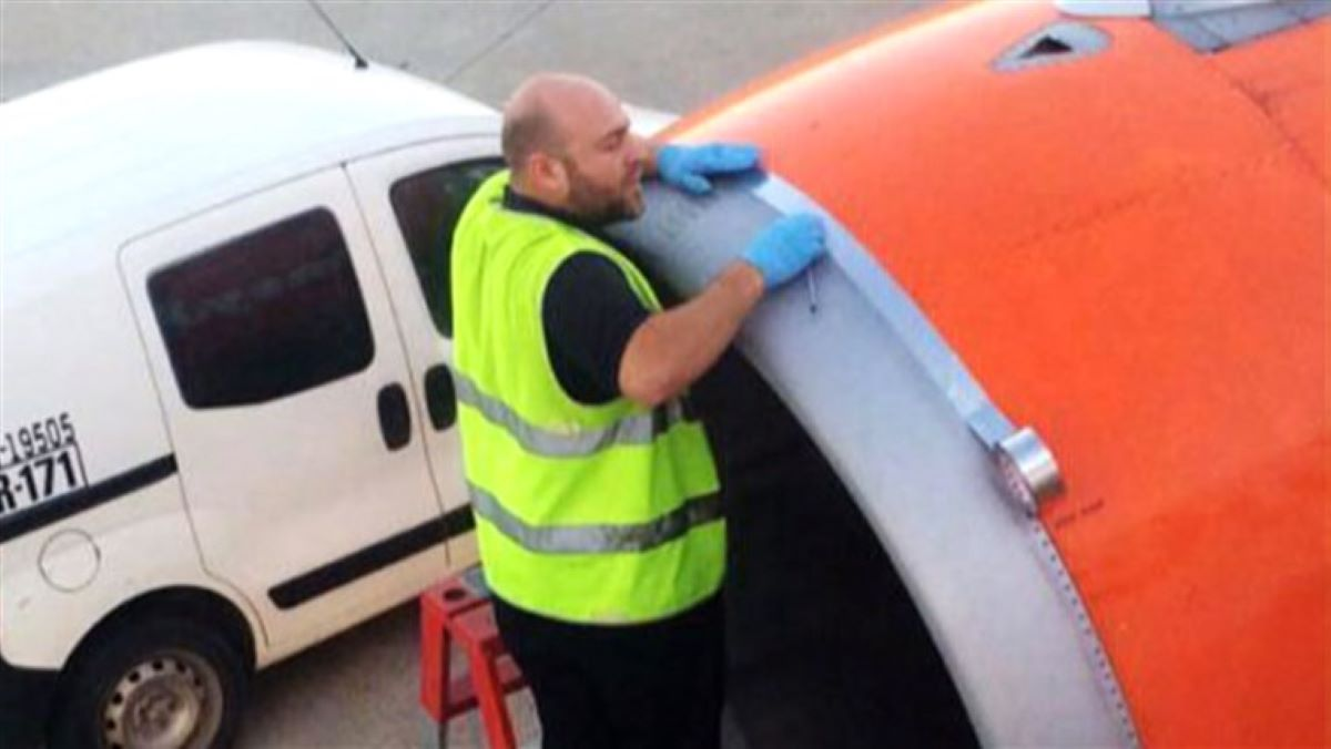 duct tape on a plane