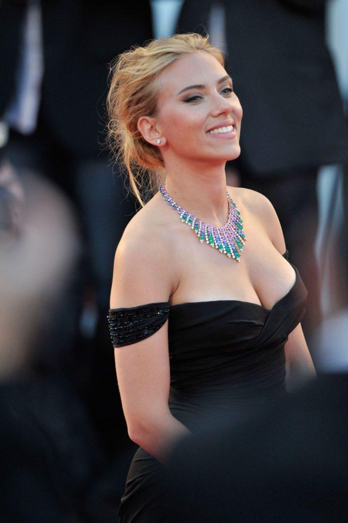 most beautiful woman in the world scarlett johannson